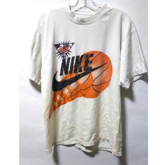 new style e4d78 f8371 Vintage NIKE BASKETBALL t shirt